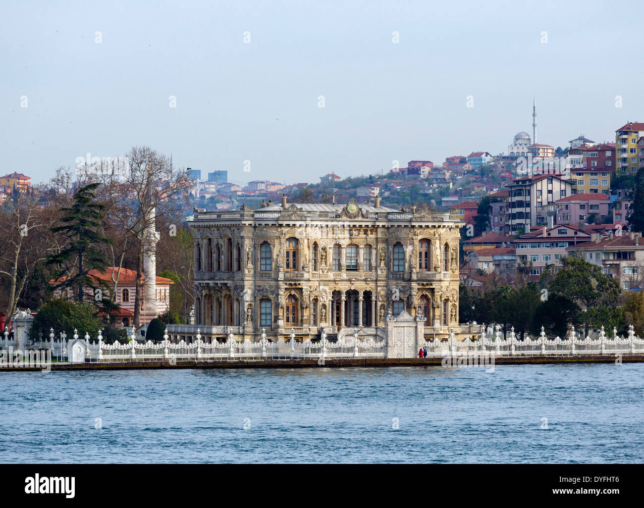 The Küçüksu Palace in Beykoz on the Asian shore of the Bosphorus, viewed from a Bosphorus cruise boat, Istanbul, Turkey - Stock Image