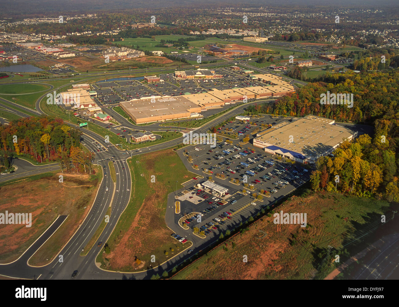 Costco Parking Lot Stock Photos & Costco Parking Lot Stock Images ...