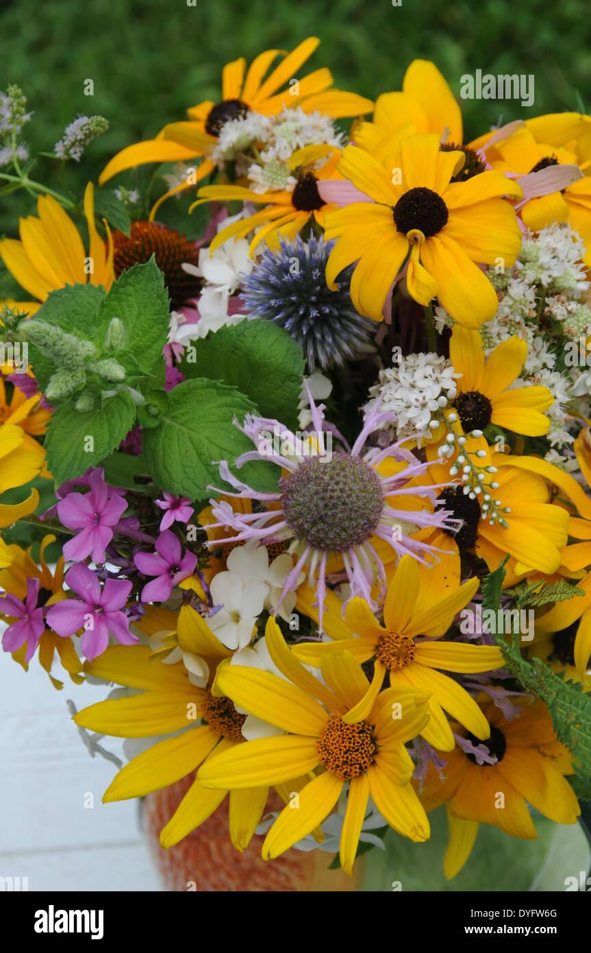Mazzo Di Fiori Estivi.Blue Watercolor Flowers Stock Photos Blue Watercolor Flowers