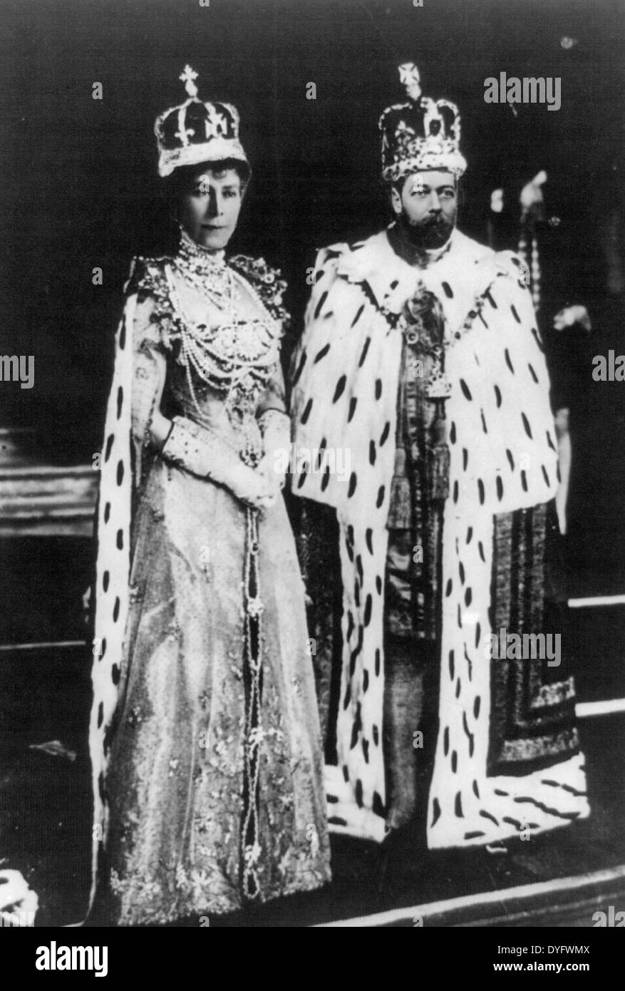 King George V and Queen Mary in coronation robes, May 1912 - Stock Image