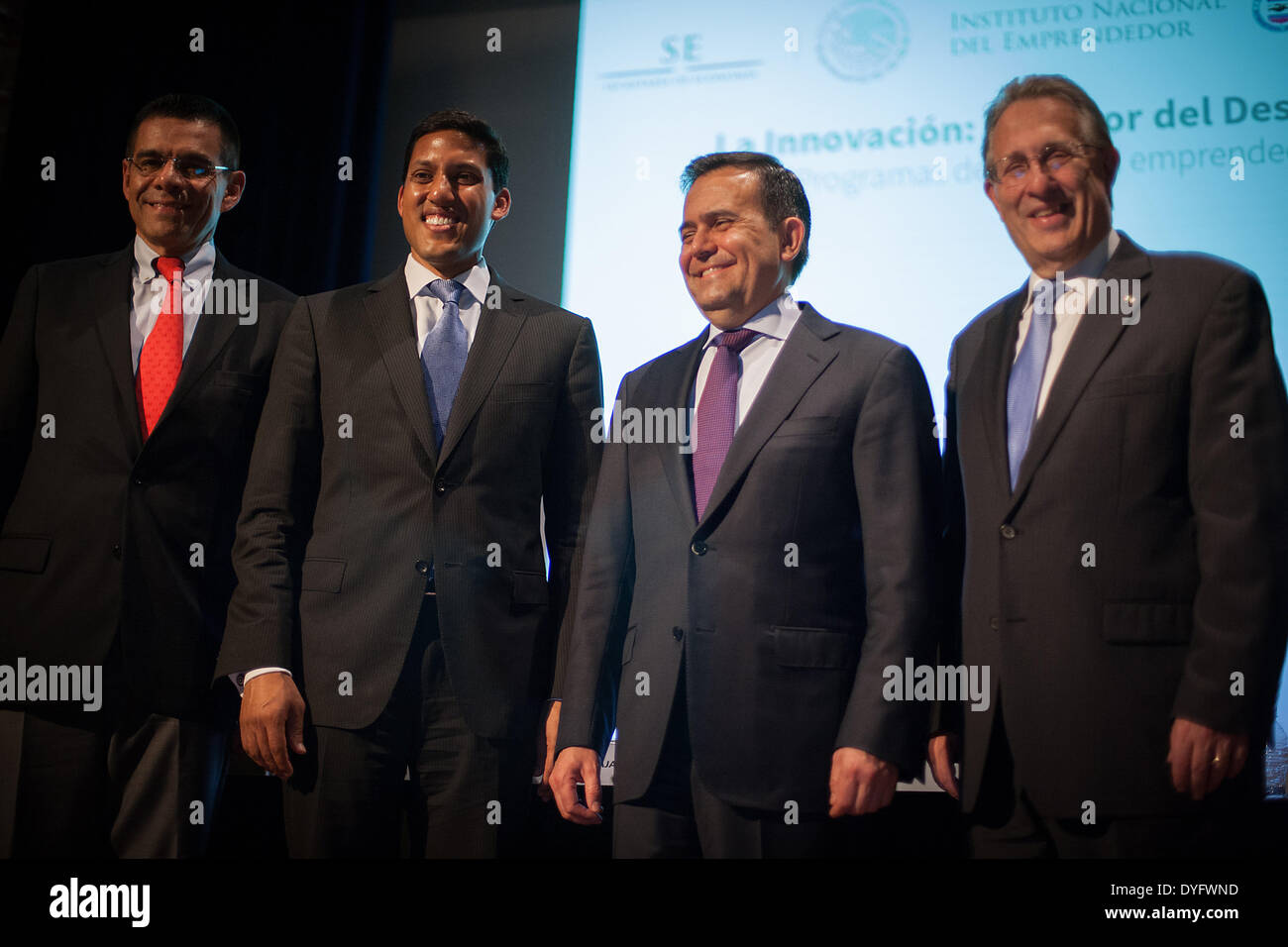 Mexico City, Mexico. 16th Apr, 2014. Administrator of the US Agency for International Development Rajiv Shah (2nd L), US Ambassador to Mexico Anthony Wayne (1st R) and Mexican Finance Minister Ildefonso Guajardo (2nd R) participate in a press conference for the first High Level Meeting of the Global Alliance for the Effective Development Cooperation in Mexico City, capital of Mexico, on April 16, 2014. © Pedro Mera/Xinhua/Alamy Live News - Stock Image