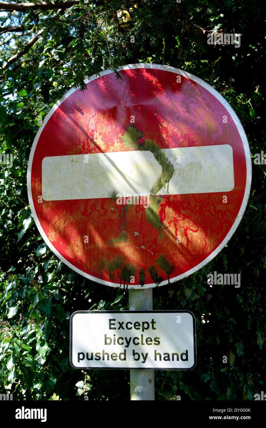 No entry 'Except bicycles pushed by hand' sign, Blockley, Gloucestershire, England, UK - Stock Image