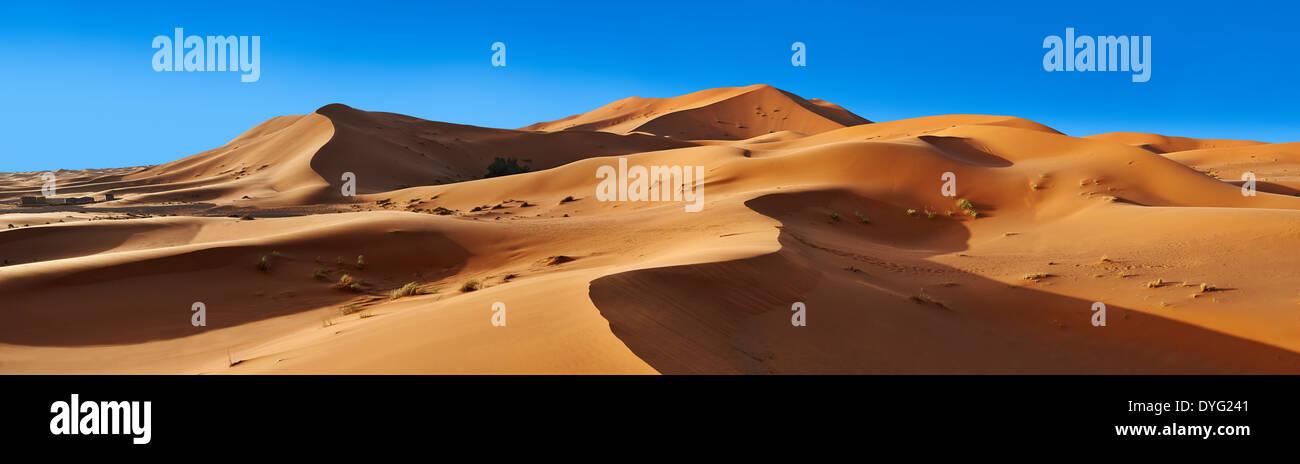 Sahara sand dunes of erg Chebbi, Morocco, Africa Stock Photo