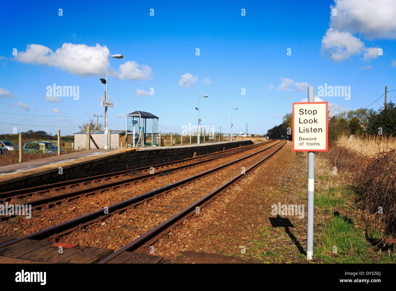 A view of the railway lines a platform at Haddiscoe station, Norfolk, England, United Kingdom. - Stock Image