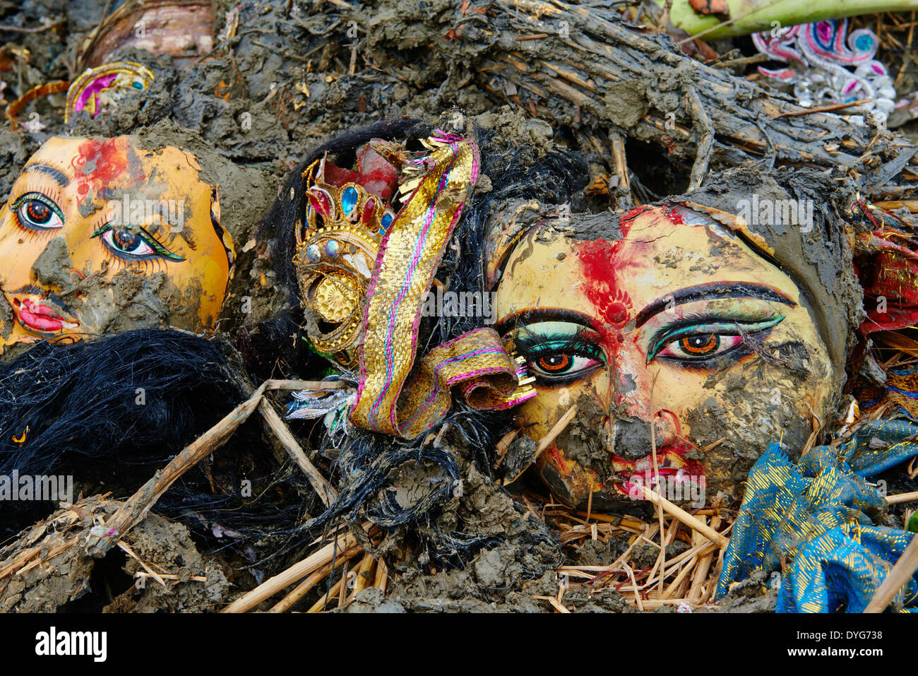 India, West Bengal, Kolkata, Calcutta, at the end of Durga Puja the idols are thrown out to the Hooghly river - Stock Image
