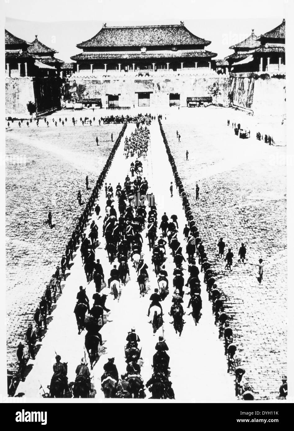 Foreign Troops Entering Beijing, China during Boxer Rebellion, circa 1900 - Stock Image