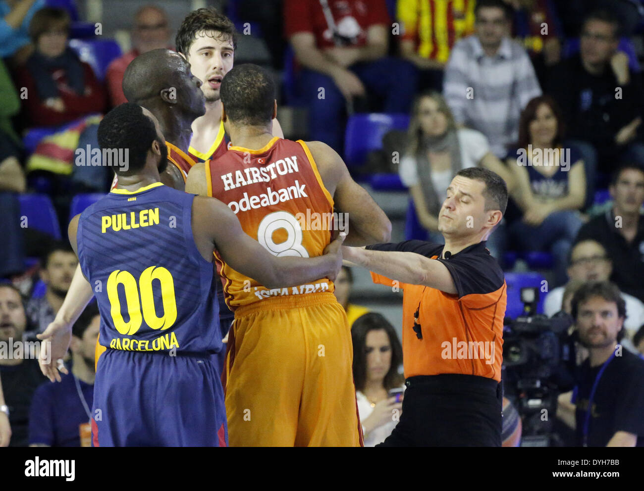 Barcelona, Spain. 17th Apr, 2014. BARCELONA SPAIN -17 Apr. Malik Hairston, Ante tomic and Jakob Pullen in the second match of the quarterfinals of the Euroleague basketball match between FC Barcelona and Galatasaray, played at the Palau Blaugrana, the April 17, 2014 Photo: Joan Valls/Urbanandsport/Nurphoto Credit:  Joan Valls/NurPhoto/ZUMAPRESS.com/Alamy Live News - Stock Image