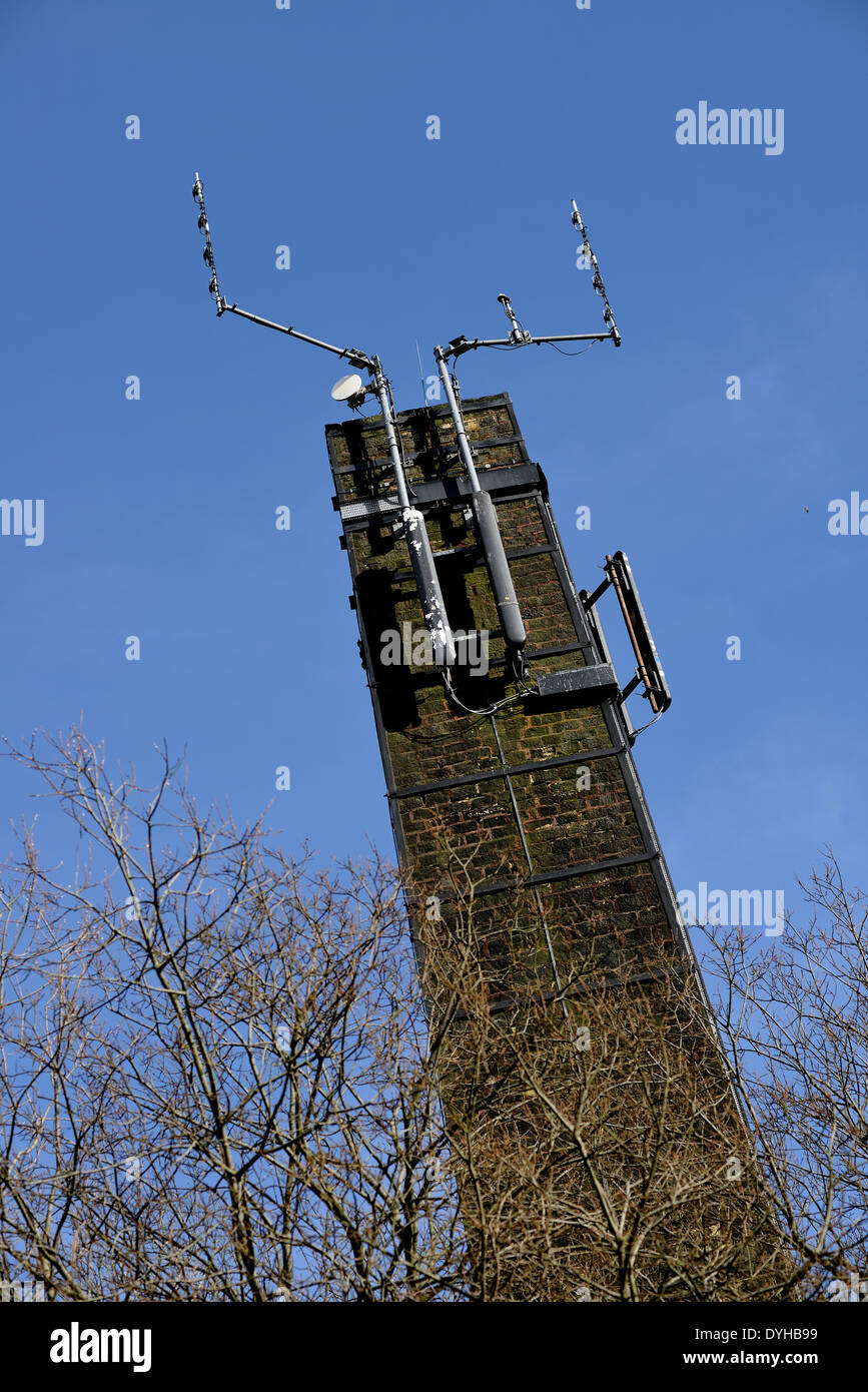 A tower with aerials attached - Stock Image