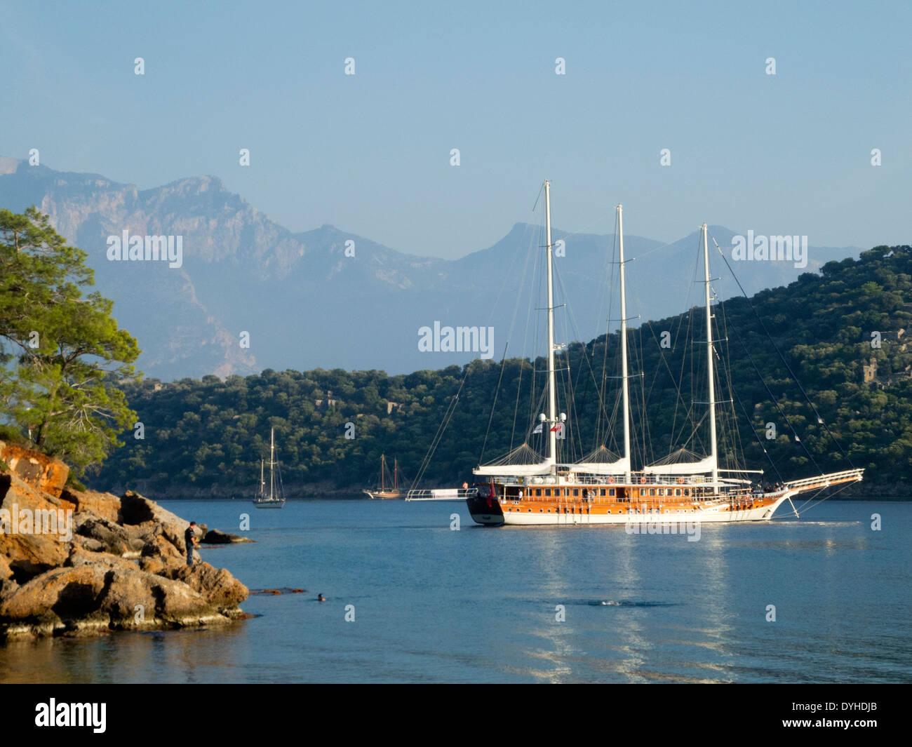 Türkei, Provinz Mugla, Fethiye, Ölü Deniz, Gemile Koyu (Gemile Bucht) gegenüber der Insel Gemiler - Stock Image