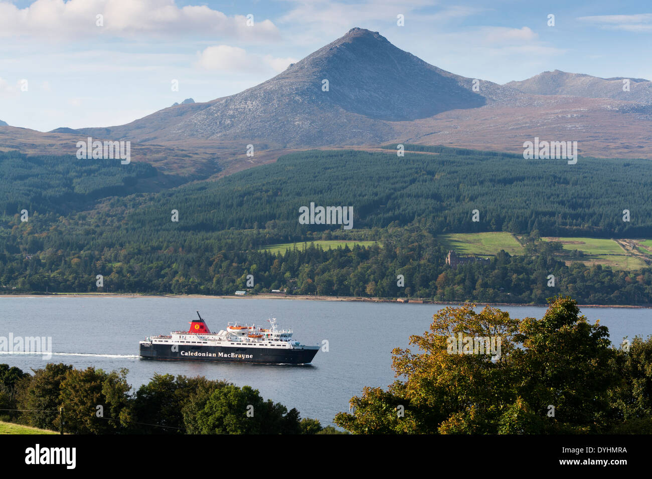 brodick ferry and goatfell arran - Stock Image
