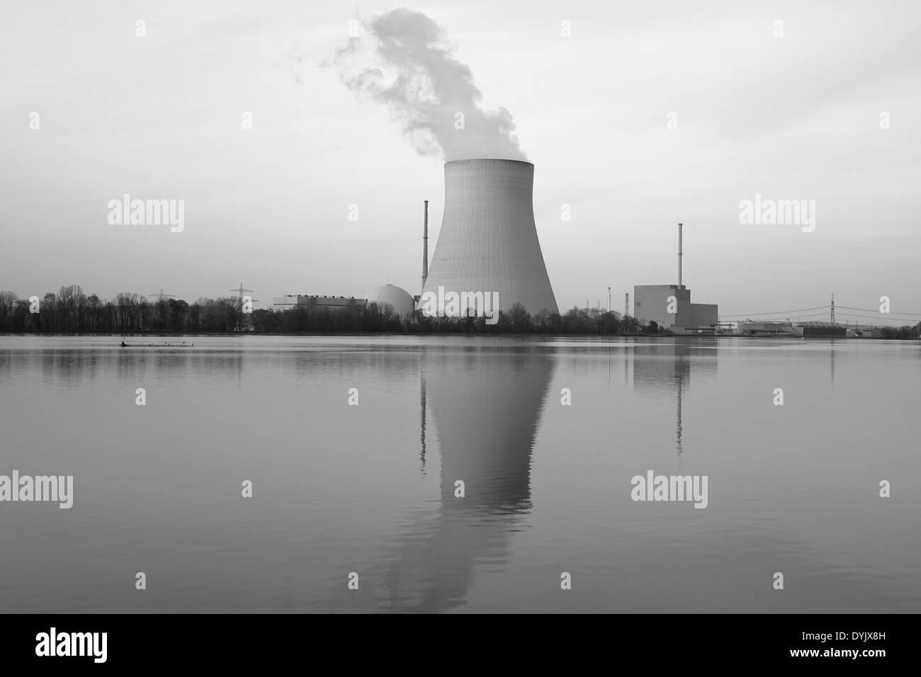 Atomkraftwerk Ohu bei Landshut, Bayern, Deutschland - Stock Image
