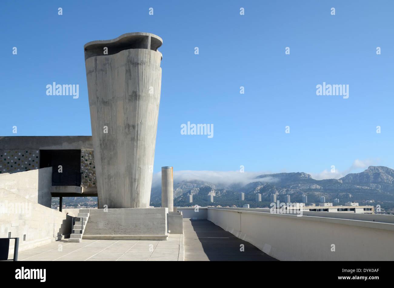 Roof Terrace & Ventilation Shaft of the Unité d'Habitation or Cité Radieuse by Le Corbusier  Marseille - Stock Image