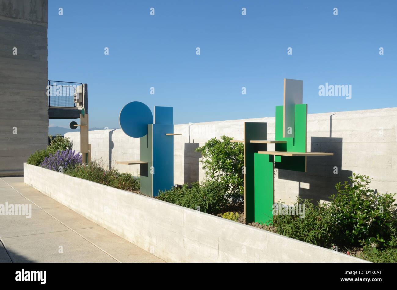 Modernist Sculptures on Roof Terrace of the Unité d'Habitation or Cité Radieuse Marseille or Marseilles - Stock Image