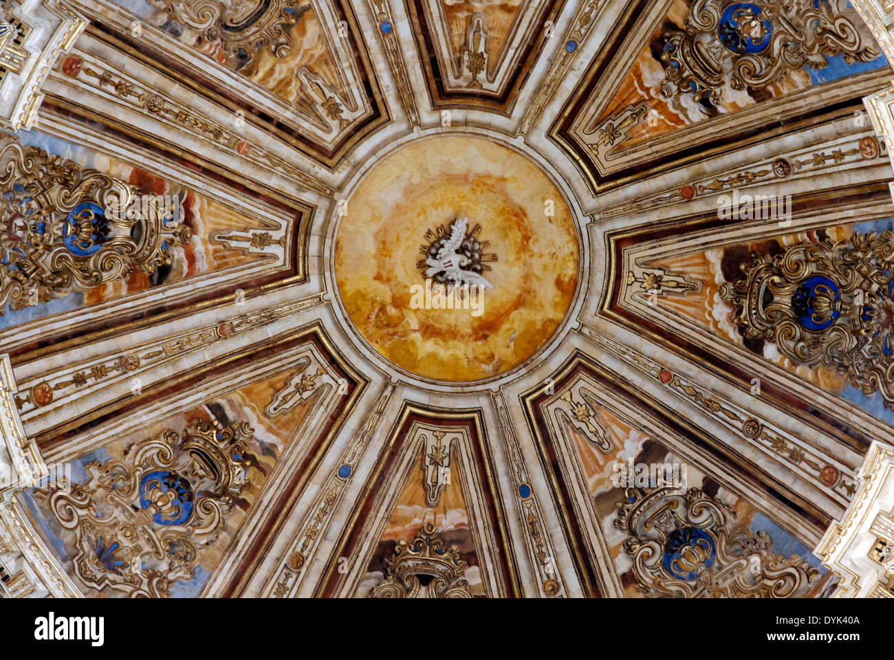 View looking upwards onto the highly decorated dome of the New Cathedral, Salamanca, Castilla y León, Spain. - Stock Image
