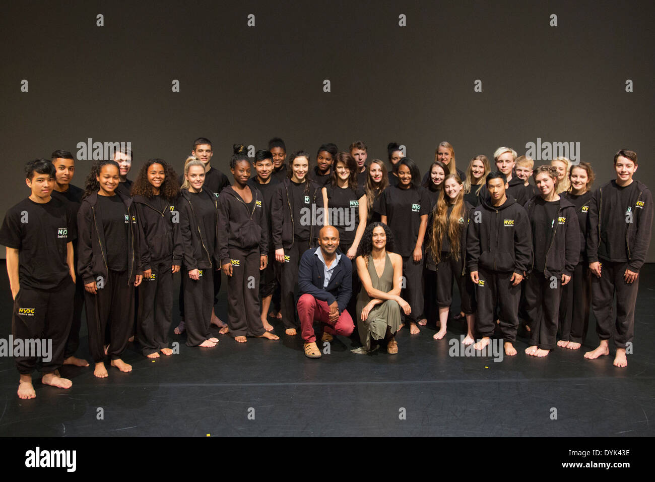 Akram Khan and Jasmin Vardimon with members of the NYDC