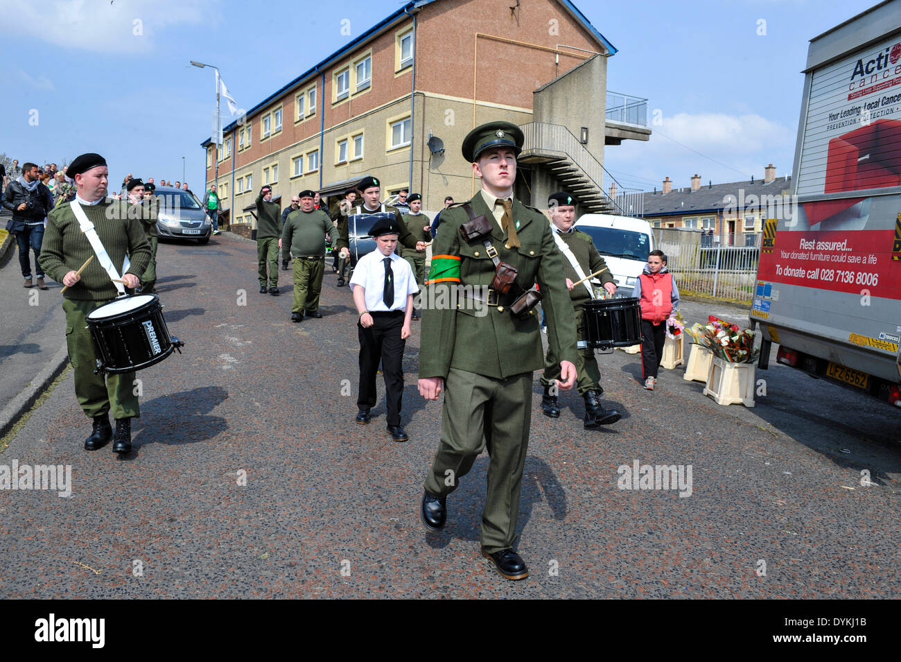 Derry, Londonderry, Northern Ireland. 21st April, 2014. Dissident Republicans Commemorate Easter Rising. A republican band dressed in paramilitary uniforms attends the dissident Irish republican 32 County Sovereignty Movement parade to the City Cemetery in Derry to commemorate the 1916 Easter Rising. Credit: George Sweeney / Alamy Live News - Stock Image