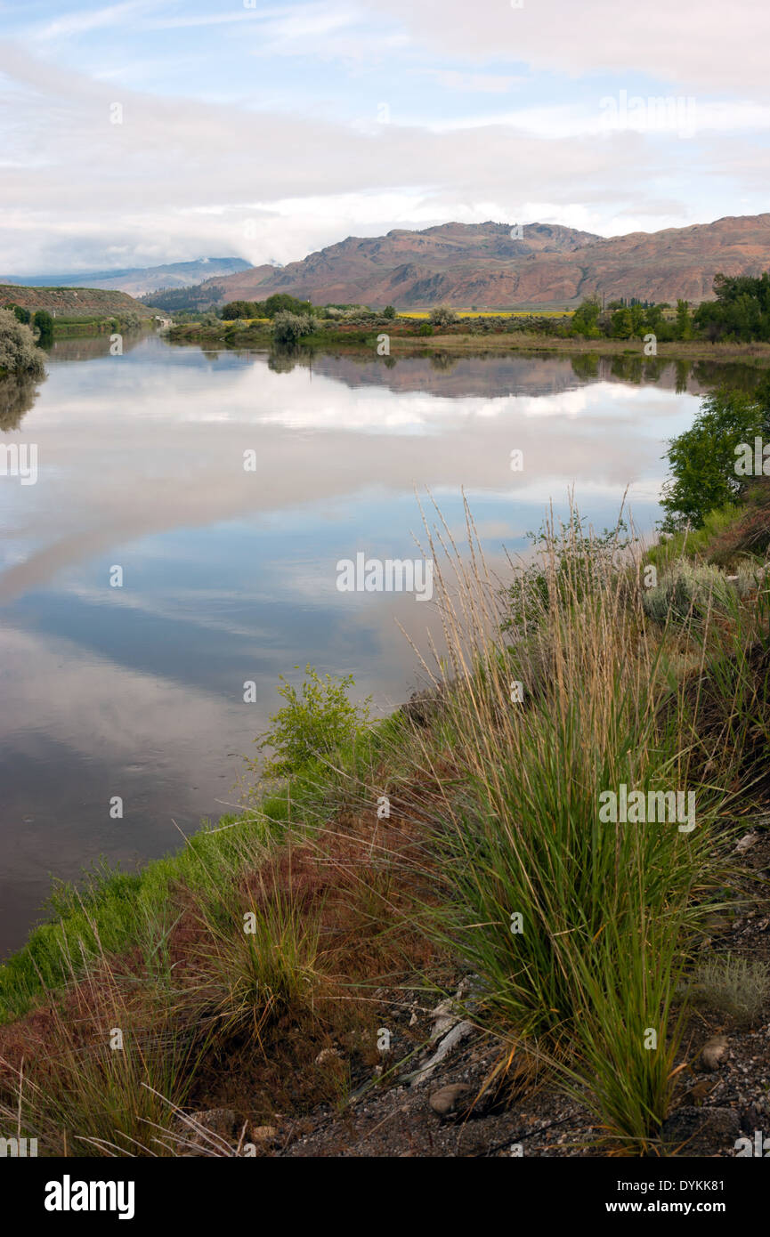 Beautiful outdoor scene from the shoreline of Pend Oreille River - Stock Image