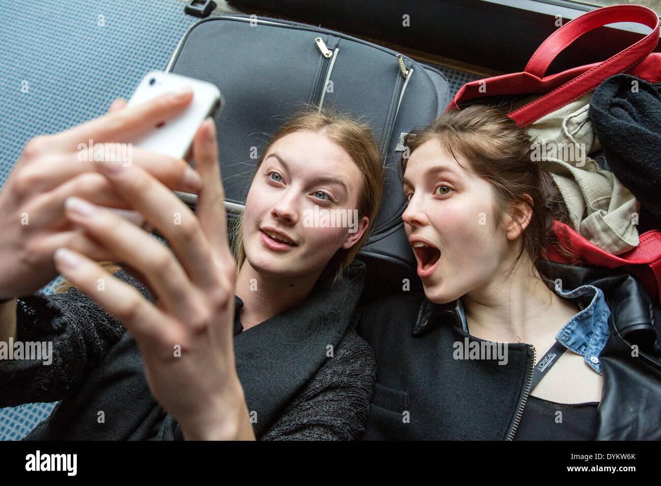 Selfie, models, backstage, phone - Stock Image