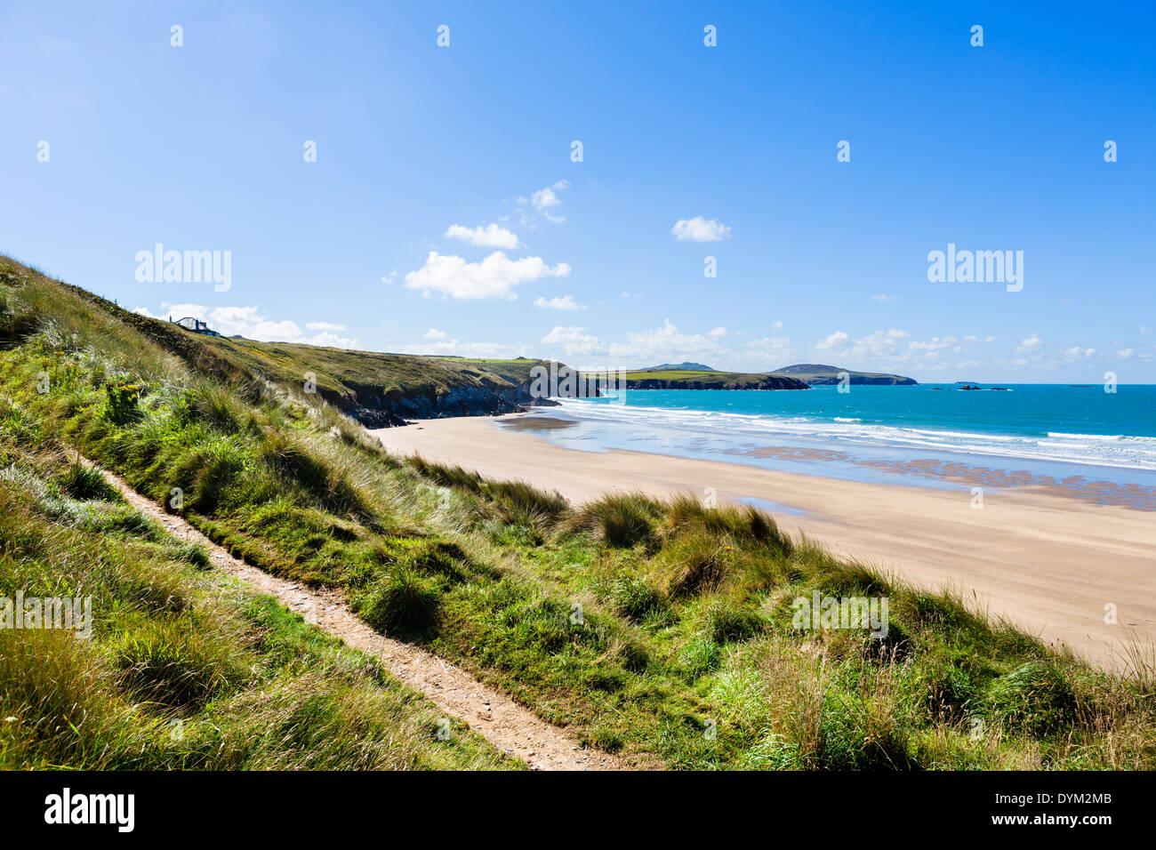 Pembrokeshire Coast Path alongside Whitesands Beach near St David's, Pembrokeshire, Wales, UK - Stock Image