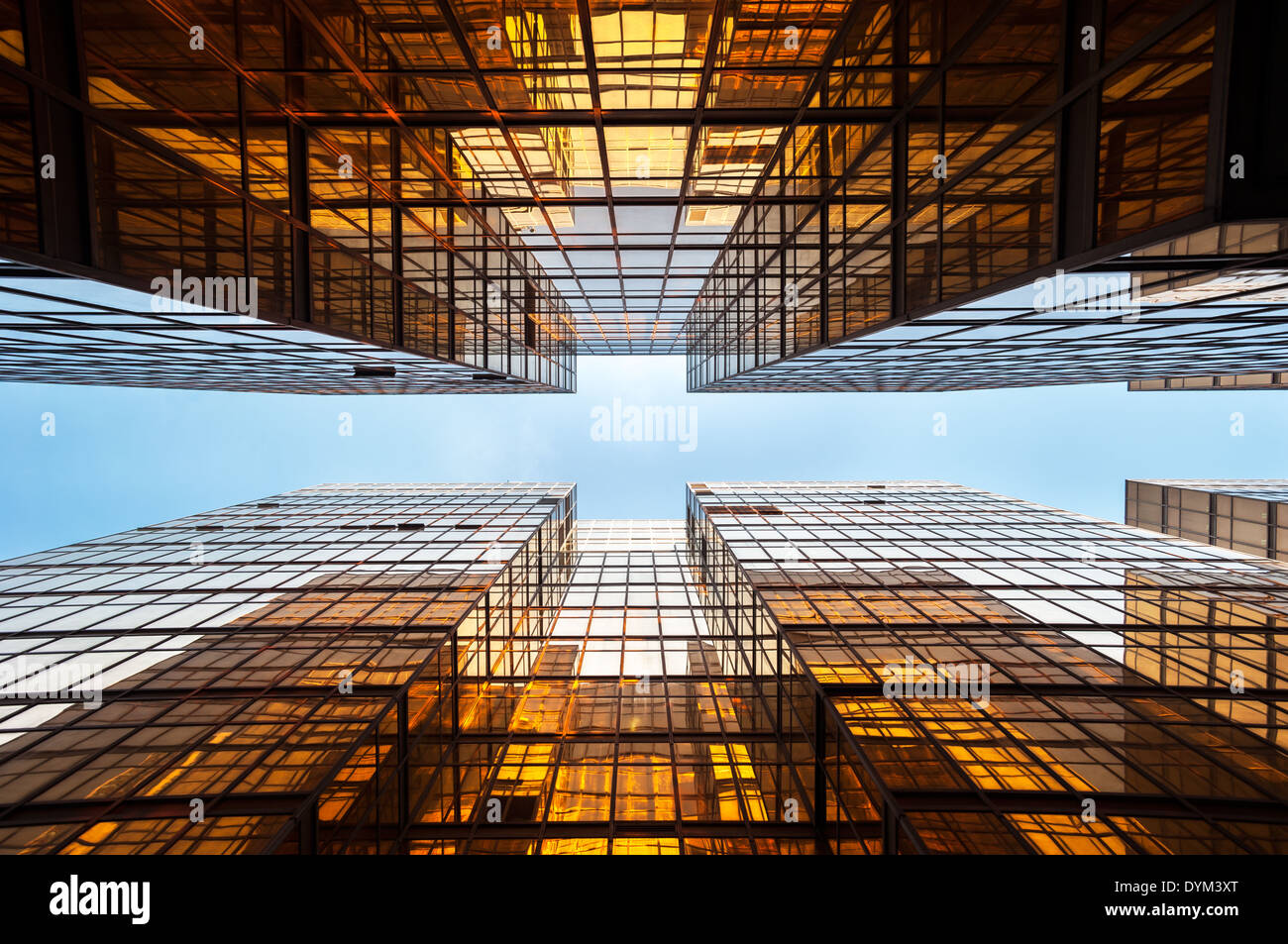 Symmetrical mirrored office buildings, Hong Kong - Stock Image