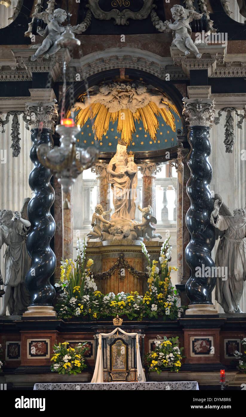 Innenaufnahme Altarbild des Raimondi. auch des hl. Hieronymus genannt, von Bernardino Luini (1480/90-1532), Kathedrale Comer Dom - Stock Image