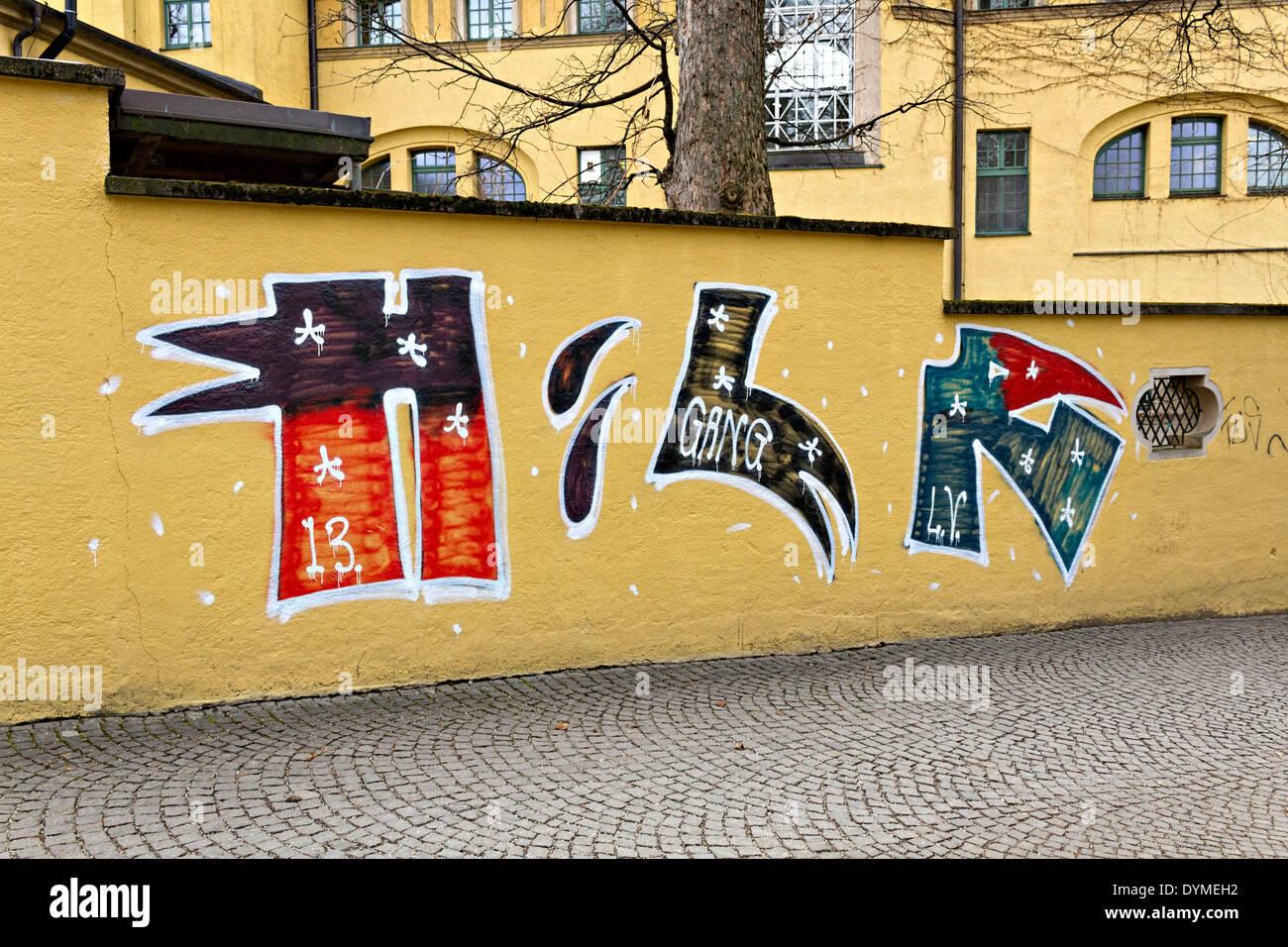Munich Street Art Graffiti Stock Photos & Munich Street Art Graffiti ...