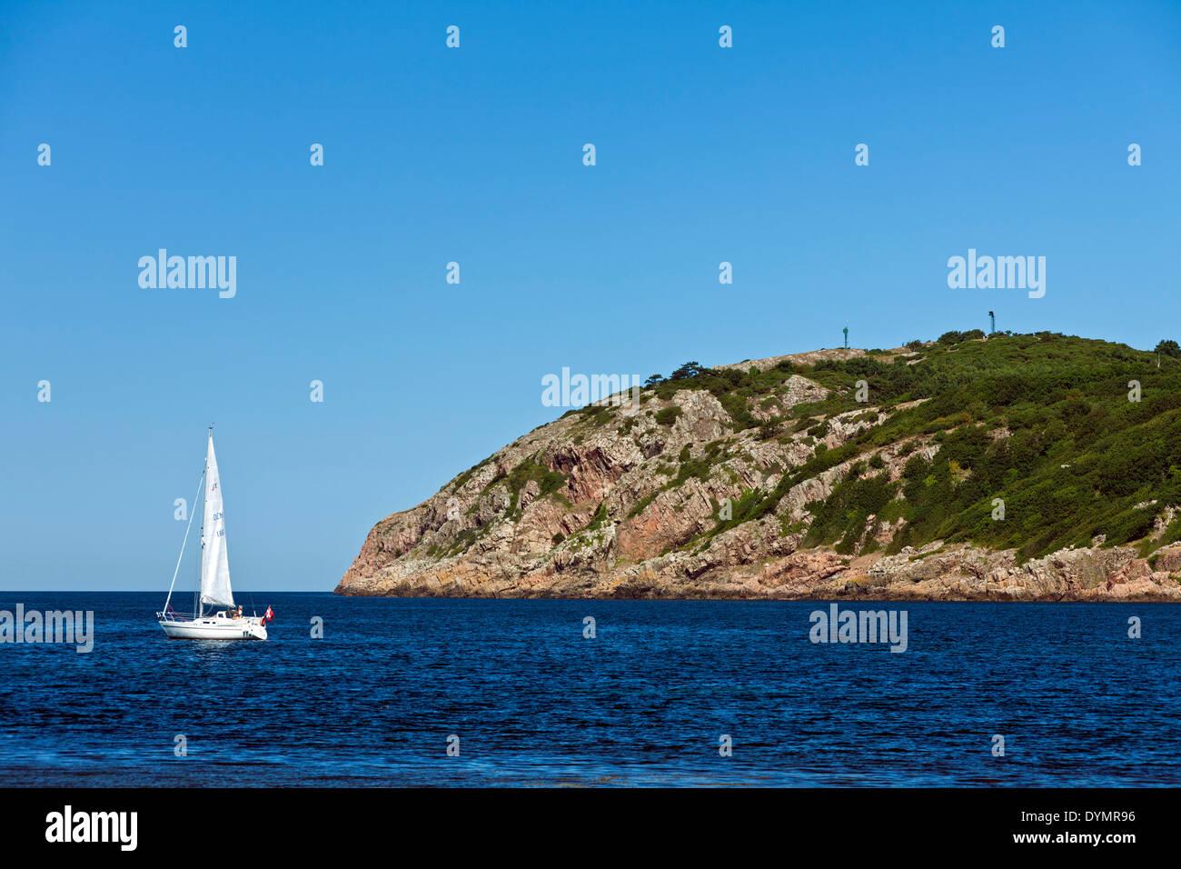 Sailing boat at Mölle in the Kattegat Strait, Skåne, Sweden, Scandinavia - Stock Image
