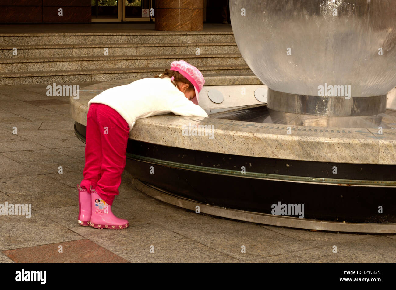 Kid with fountain - Stock Image