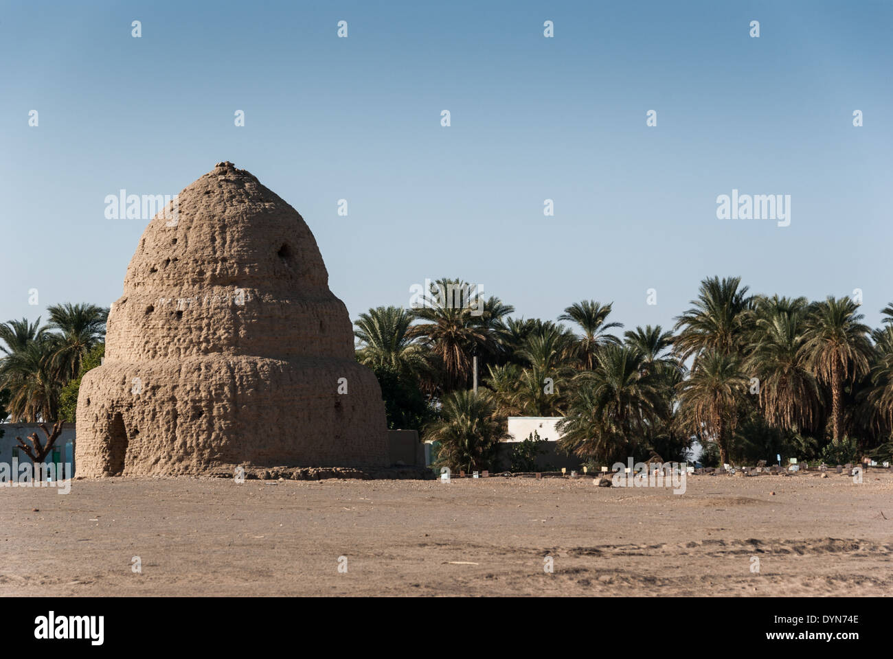 Quba and the Muslim cemetery, Kerma, northern Sudan - Stock Image