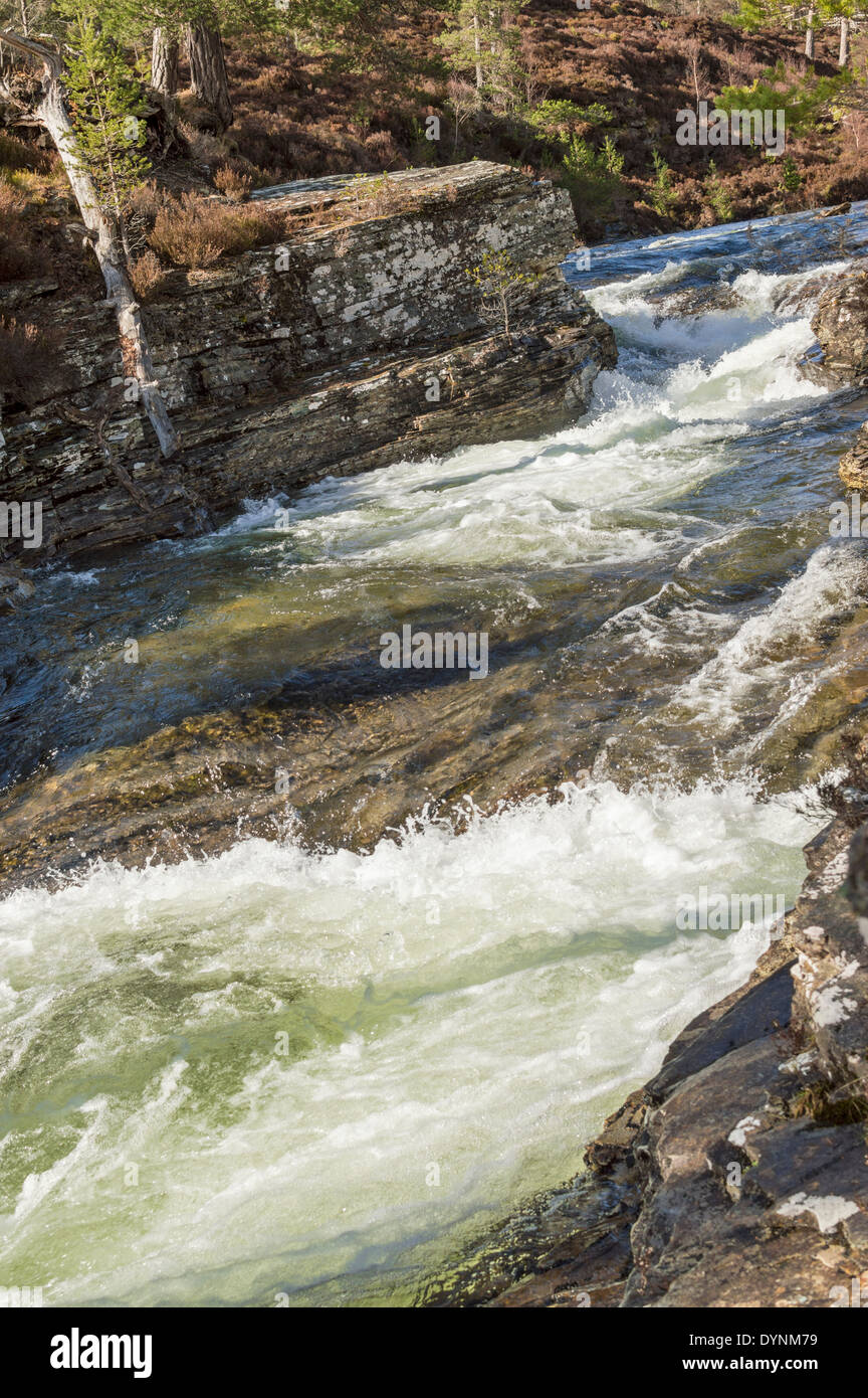 RIVER LUI WITH ICE COLD WATER FROM MELTING SNOW ON THE CAIRNGORM MOUNTAINS - Stock Image