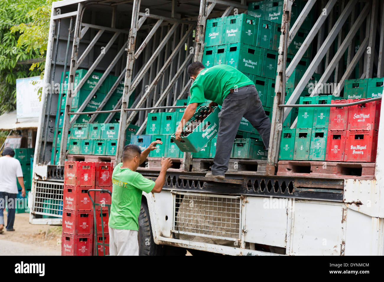 Unloading a Truck in Puerto Princesa, Palawan, Philippines - Stock Image