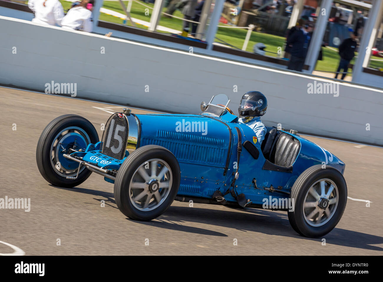 1929 Bugatti Type 35B with driver Julia de Baldanza. Grover-Williams Trophy race. 72nd Goodwood Members meeting, - Stock Image