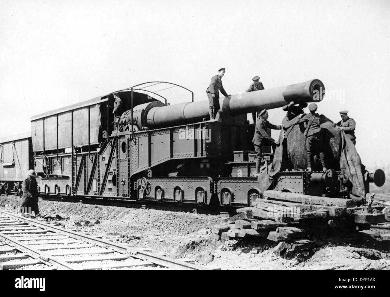 ARMSTRONG WHITWORTH   12 inch railway gun at Arras in 1917 - Stock Image