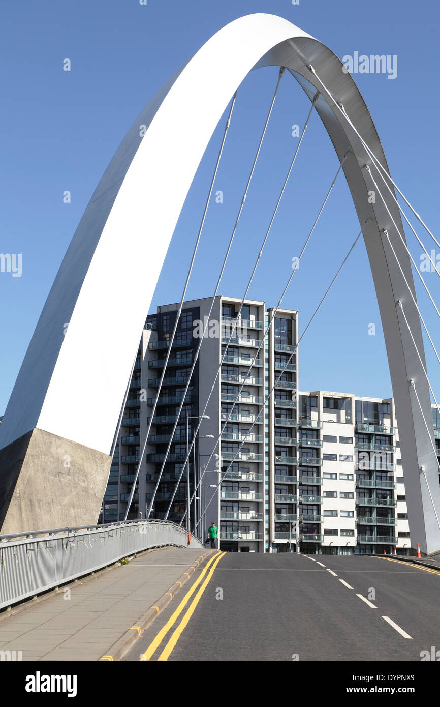 View North across the Clyde Arc bridge on the River Clyde to the Lancefield Quay apartments in Finnieston, Glasgow, Scotland, UK - Stock Image