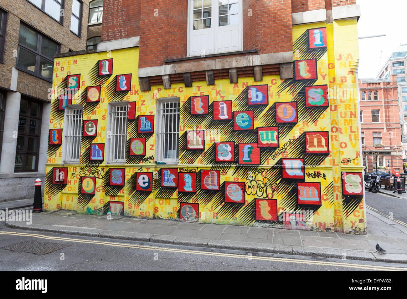 Mural by Ben Eine on Middlesex Street, London. - Stock Image