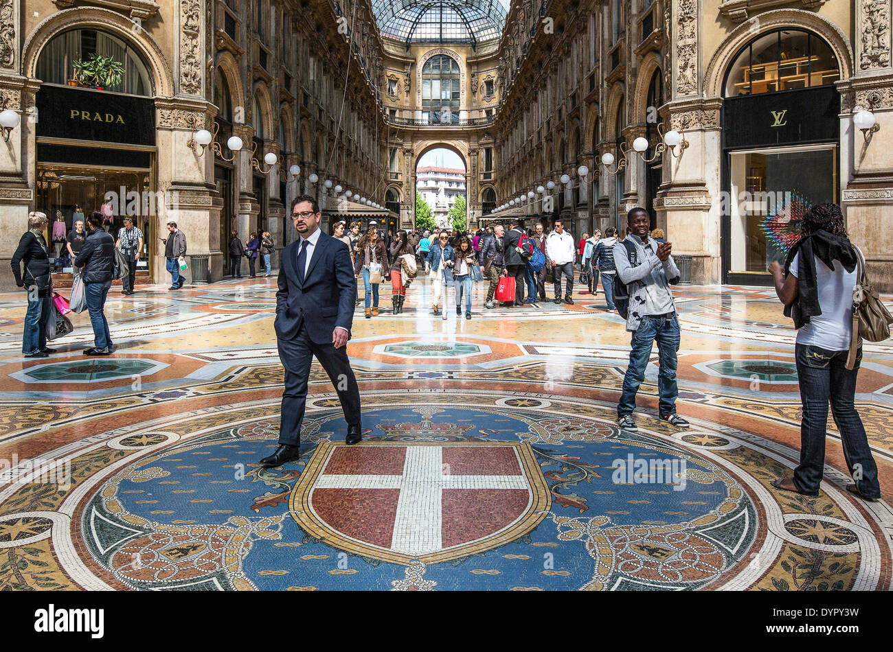 Milan, Italy. 23rd Apr, 2014. people in the Vittorio Emanuele gallery Credit:  Realy Easy Star/Alamy Live News - Stock Image