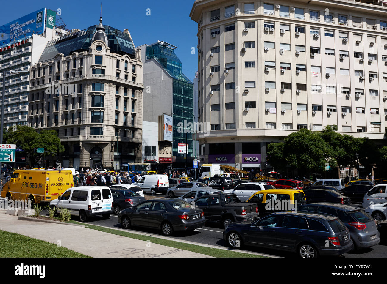 busy traffic on avenida 9 de julio Buenos Aires Argentina - Stock Image