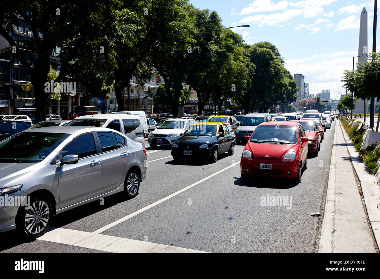 busy traffic on avenida 9 de julio Buenos Aires Argentina - Stock Image