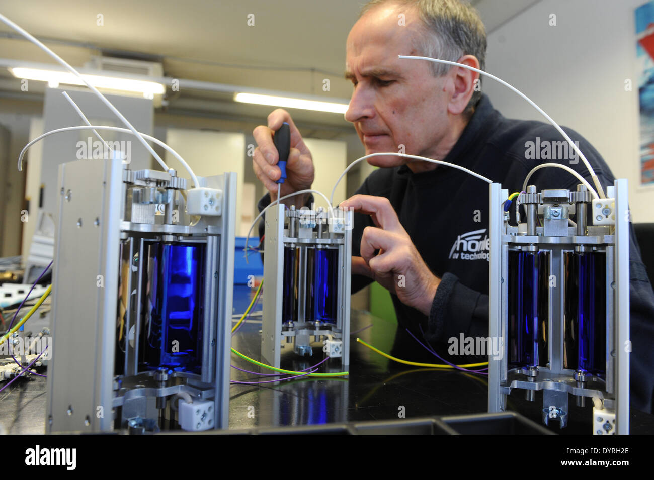 Production of irradiation devices at Dr. Hoenle AG in Graefelfing, 2011 - Stock Image