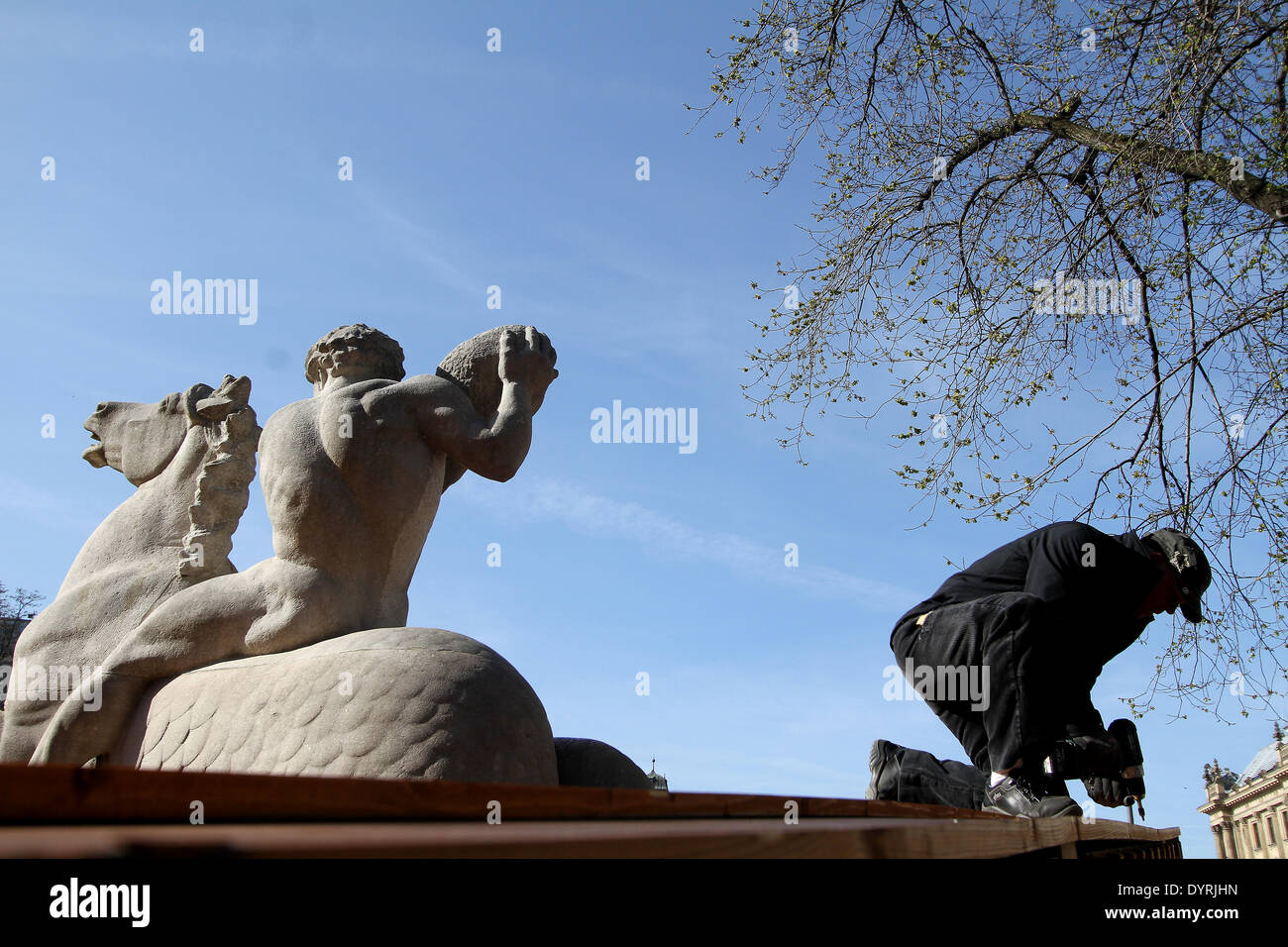 Removing the covering on Wittelsbach Fountain in Munich, 2012 - Stock Image