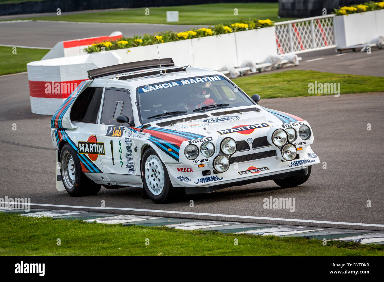 https://c8.alamy.com/comp/DYTDKR/1985-lancia-delta-s4-group-b-rally-car-with-driver-henry-pearman-72nd-DYTDKR.jpg