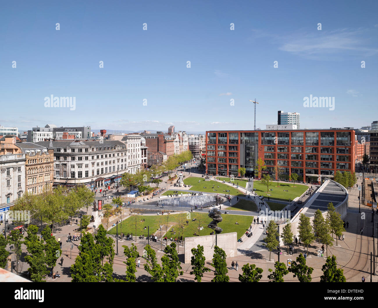 Urban piazza at Piccadilly Place, Manchester, Greater Manchester. - Stock Image