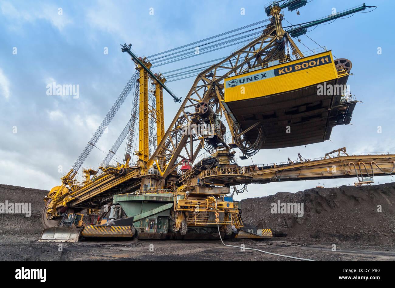 Colossal Bucket-wheel Excavator (BWE) KU 800 Digging Overburden at Open-pit Lignite Coal Mine, North Bohemia, Czech Stock Photo