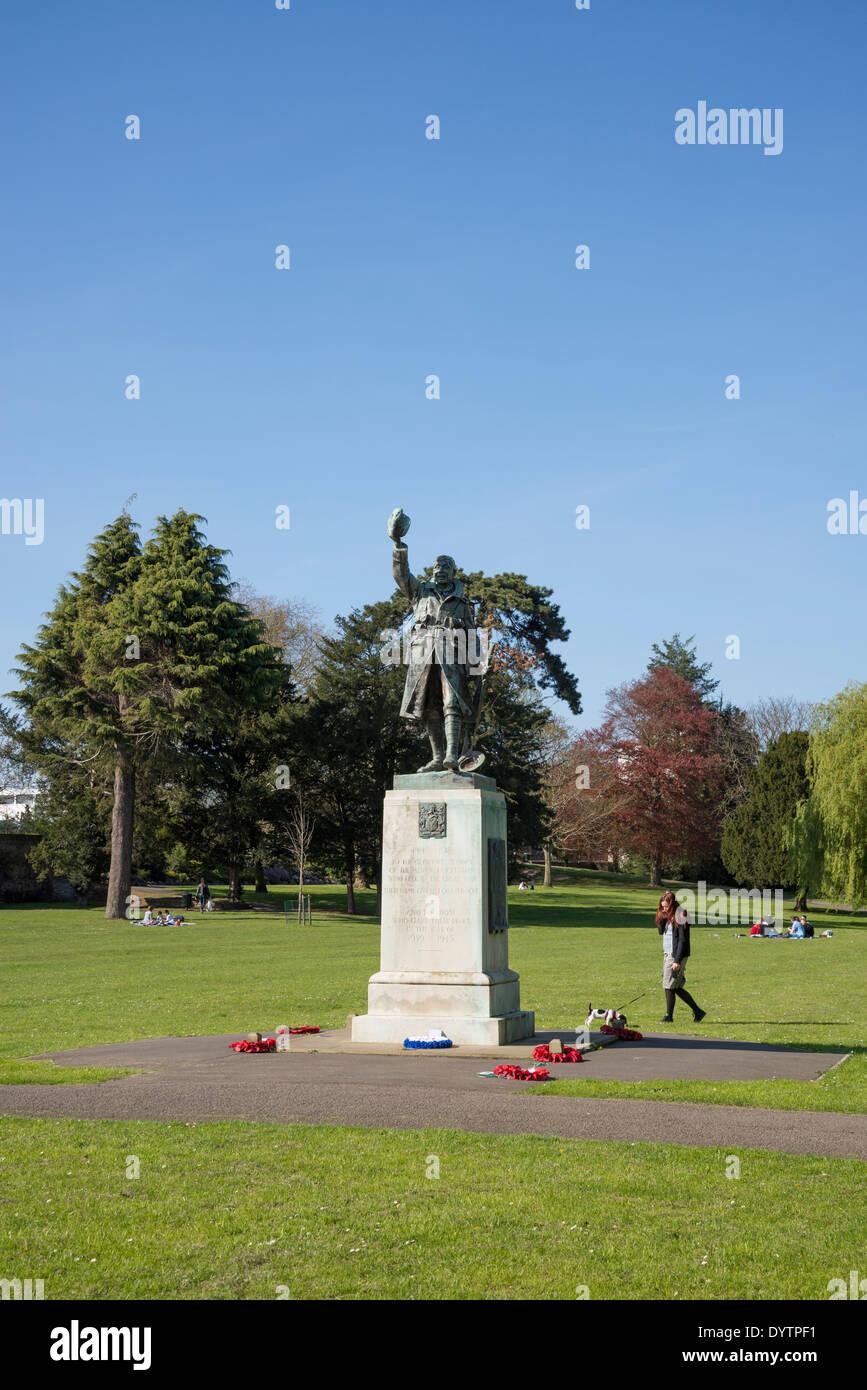 Radnor Gardens, First World War Memorial statue, Strawberry Hill, Borough of Richmond, London, UK - Stock Image