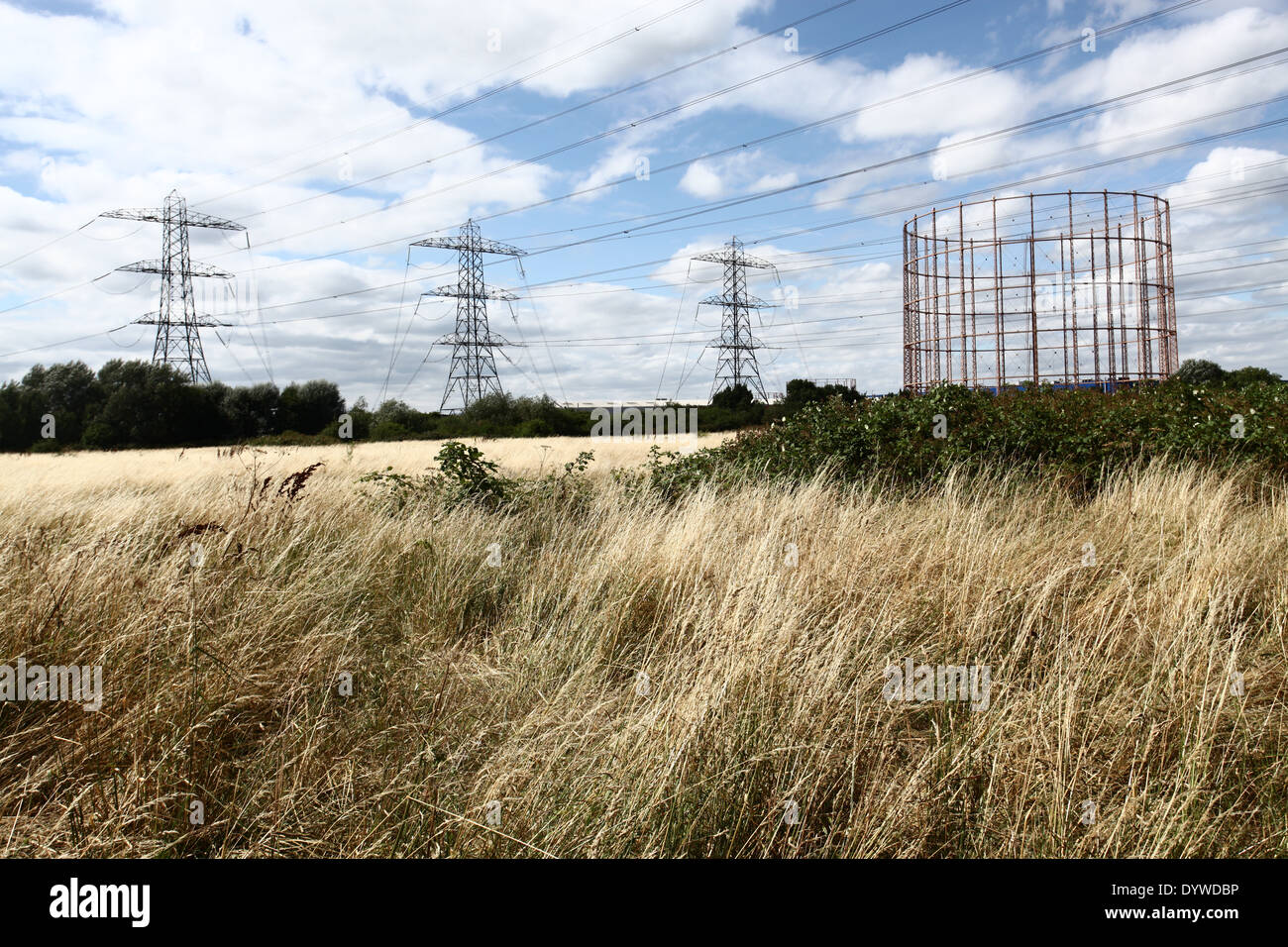 Tottenham Marches and transmission towers in the background - Stock Image