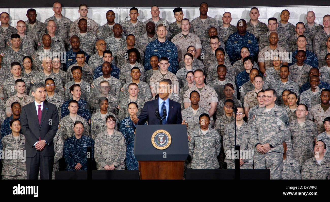 US President Barack Obama speaks to troops and their families at U.S. Army Garrison Yongsan April 26, 2014 Seoul, South Korea. Obama warned North Korea that the United States 'will not hesitate to use our military might' to defend allies. - Stock Image