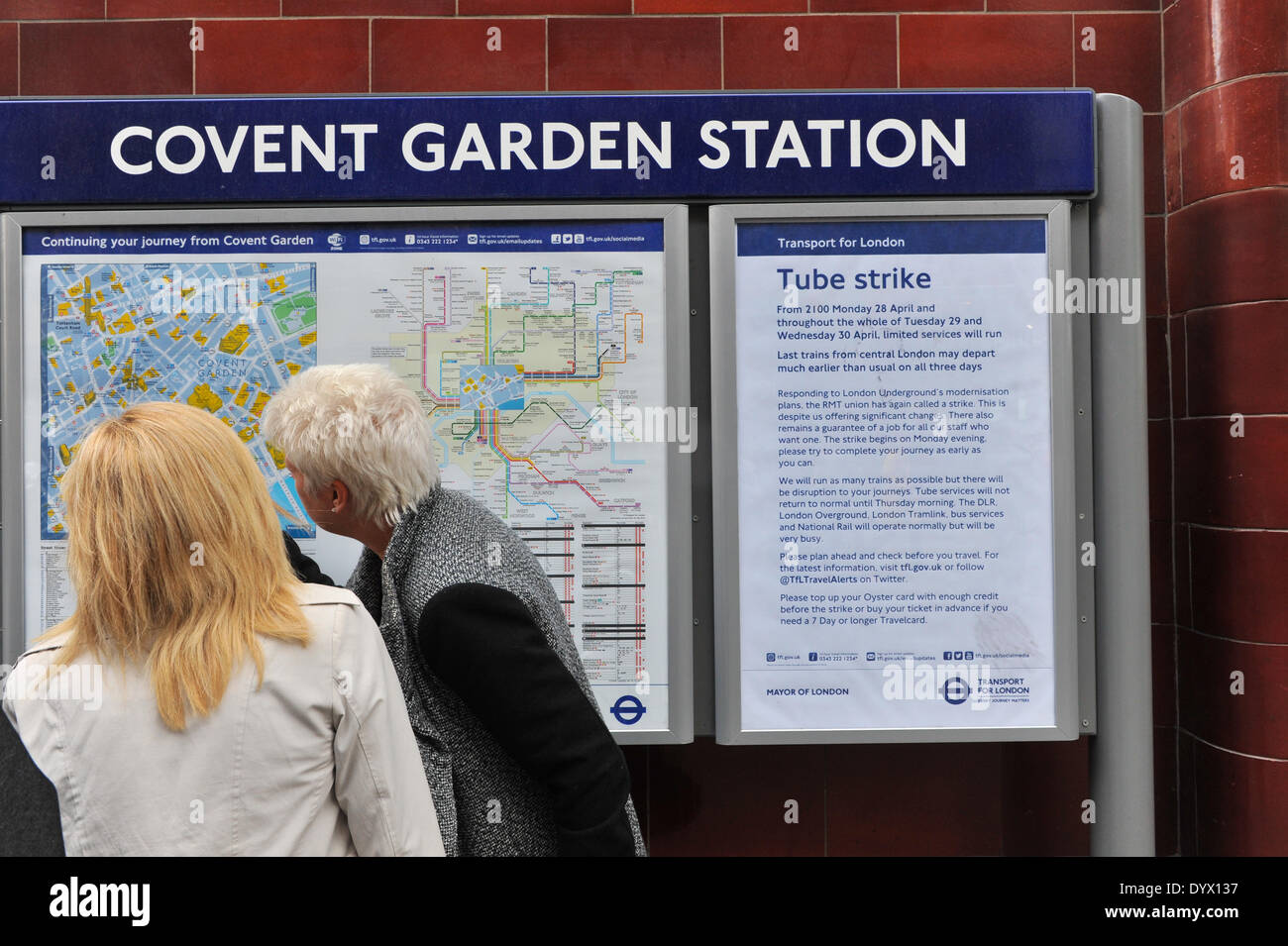 Covent Garden, London, UK. 26th April 2014. A notice outside Covent Garden station alerting travellers of next weeks 48hr tube strike. Credit:  Matthew Chattle/Alamy Live News - Stock Image