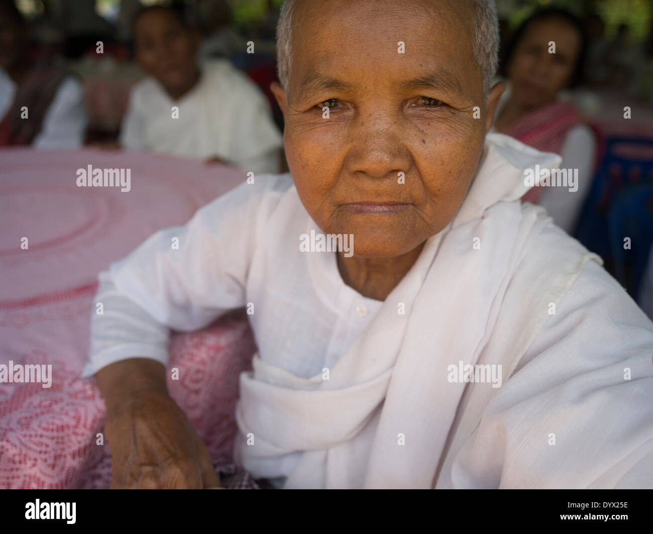 Buddhist nun at Wat Bo Temple, Siem Reap, Cambodia - Stock Image