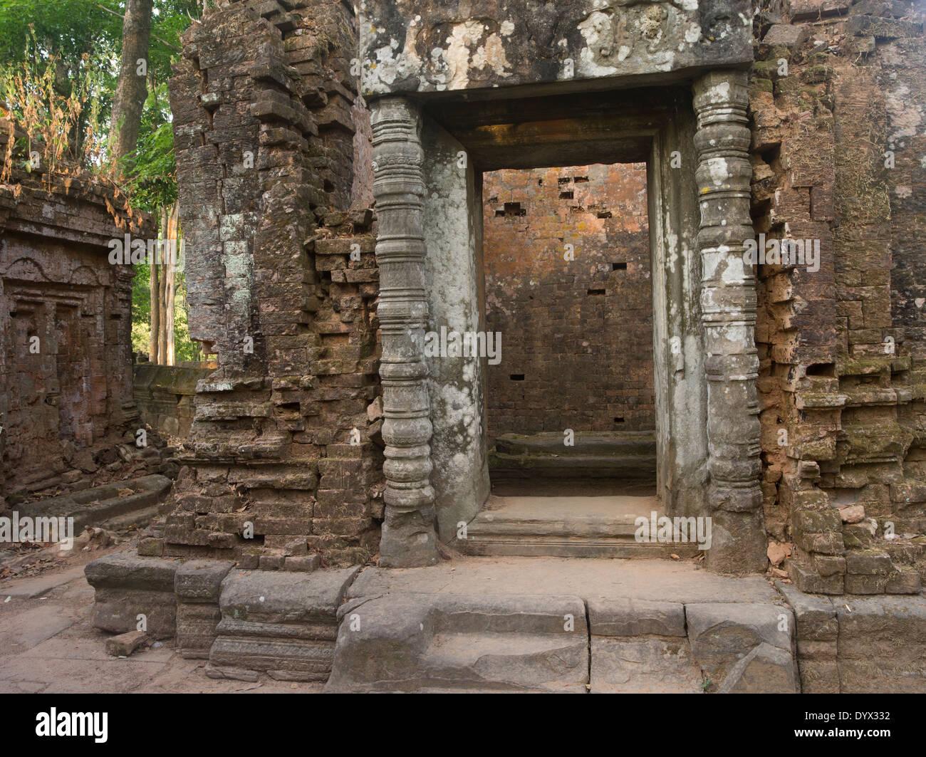 Prasat Thom the principal monument of Koh Ker 127 NE of Siem Reap, Cambodia - Stock Image