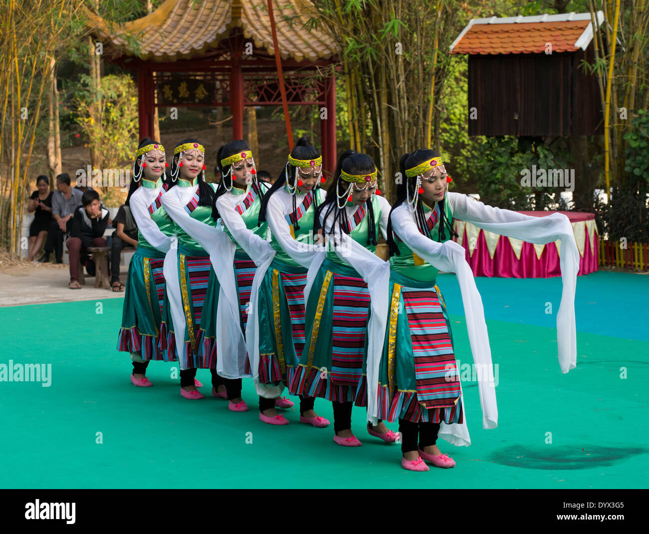 Traditional dance performance at Cambodian Cultural Village, Siem Reap, Cambodia - Stock Image